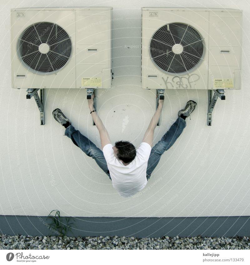 :-> Lüftung Antrieb Düsenjäger Motor Geschwindigkeit abgehoben Flugzeugträger Maschine Kunstflug Pilot Schweben Luft verrückt Gewichtheber Mann Wand 2 Kies