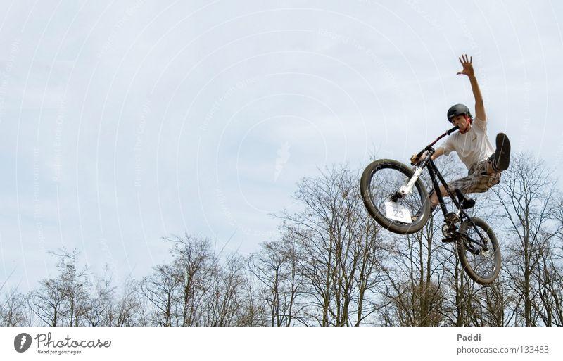 no foot one hand Jugendliche Freude springen Stil Freiheit Fahrrad Kraft Angst fliegen verrückt Aktion Luftverkehr gefährlich Freizeit & Hobby fantastisch