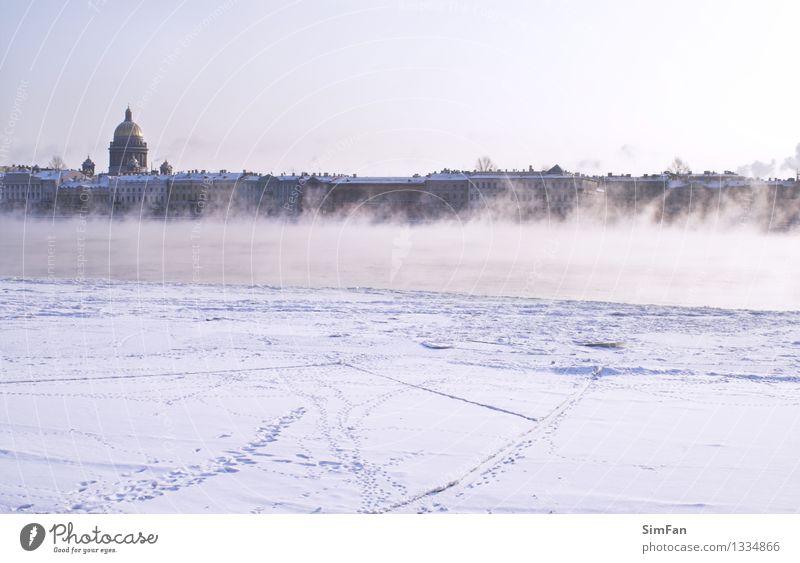 Nebel Neva Fluss Meer Winter Schnee Fuß Natur Himmel Küste See Bach Stadt Stadtzentrum Kirche Gebäude Fußspur frieren dunkel kalt Frost Eis eisig Kruste