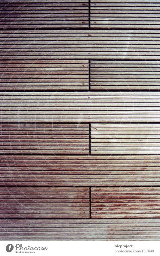 Drumherum Holz Schwimmbad Sommer Steg Anlegestelle Natur Erholung