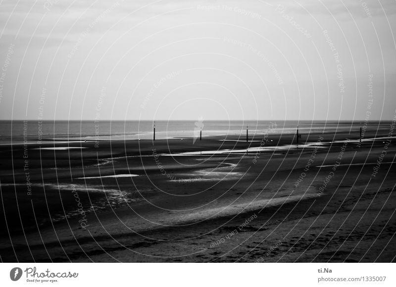 Tristesse der Ruhe Umwelt Natur Landschaft Urelemente Wasser Sommer Herbst Küste Seeufer Nordsee Schleswig-Holstein St. Peter-Ording Unendlichkeit Stadt wild