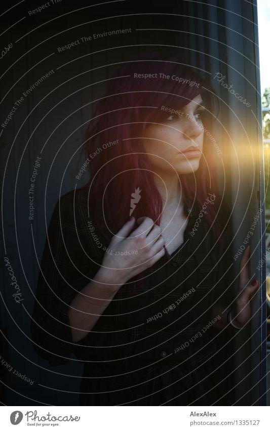 Cataldiña am Abend Jugendliche schön Junge Frau Hand 18-30 Jahre Gesicht Erwachsene feminin außergewöhnlich Horizont träumen ästhetisch fantastisch beobachten
