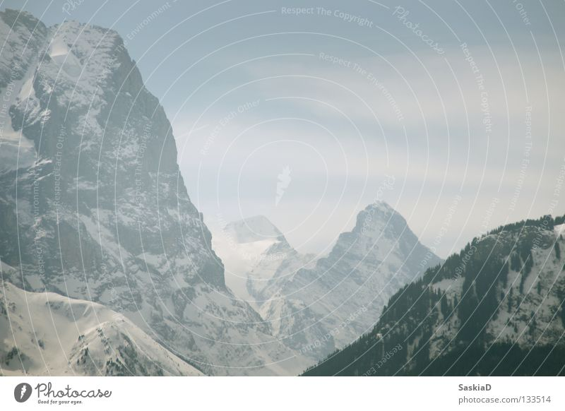 Steile Berge Schnee Wand Spielen Berge u. Gebirge Landschaft groß Felsen hoch Macht Schweiz Alpen steil