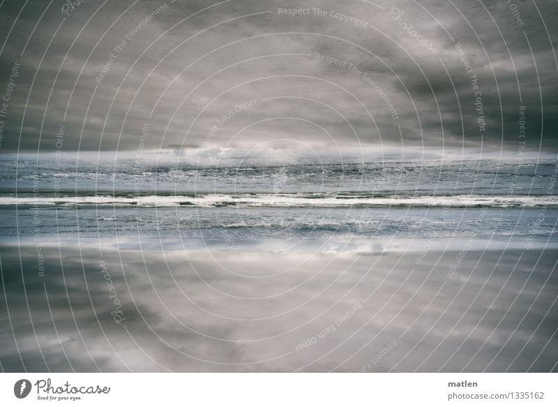 breakwater Landschaft Sand Wasser Himmel Wolken Gewitterwolken Wetter schlechtes Wetter Wellen Küste Strand Meer Menschenleer dunkel blau braun grau weiß