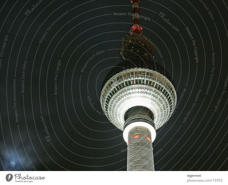 Berliner Fernsehturm Alexanderplatz Nacht Mondschein Architektur