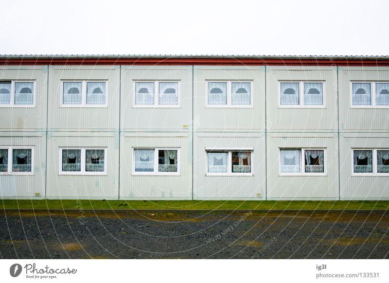 Gemütl. Dachgeschosswo. m. Dusche, Garten & GemeinschaftsWC Haus Architektur Arbeit & Erwerbstätigkeit Zusammensein Schilder & Markierungen Armut Beginn Design
