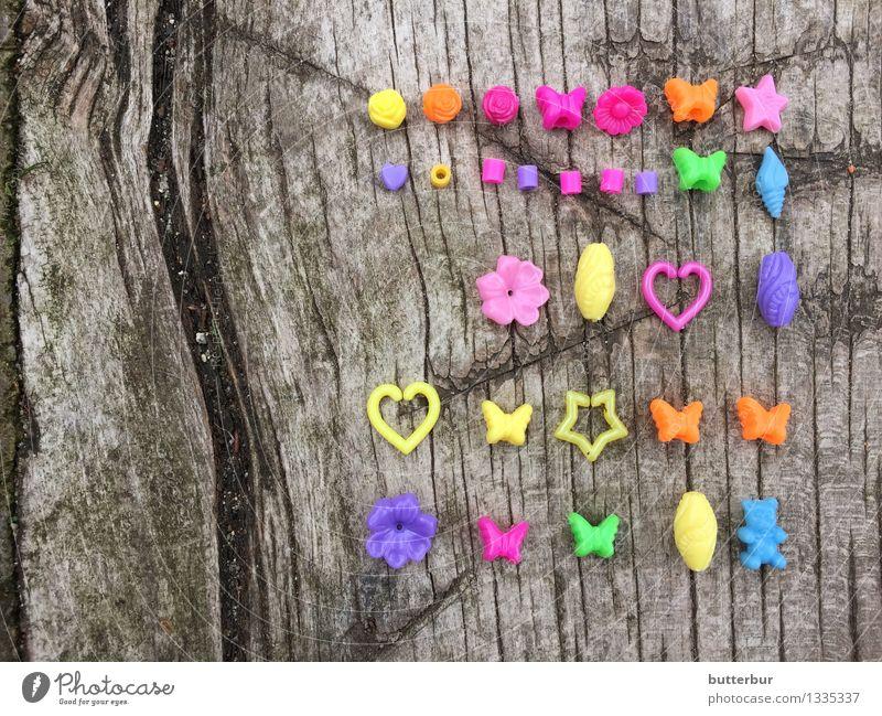 Perlen, Schmetterlinge oder Herz Freizeit & Hobby Spielen Basteln Accessoire Schmuck Holz mehrfarbig gelb violett orange Super Still Life Farbfoto Außenaufnahme