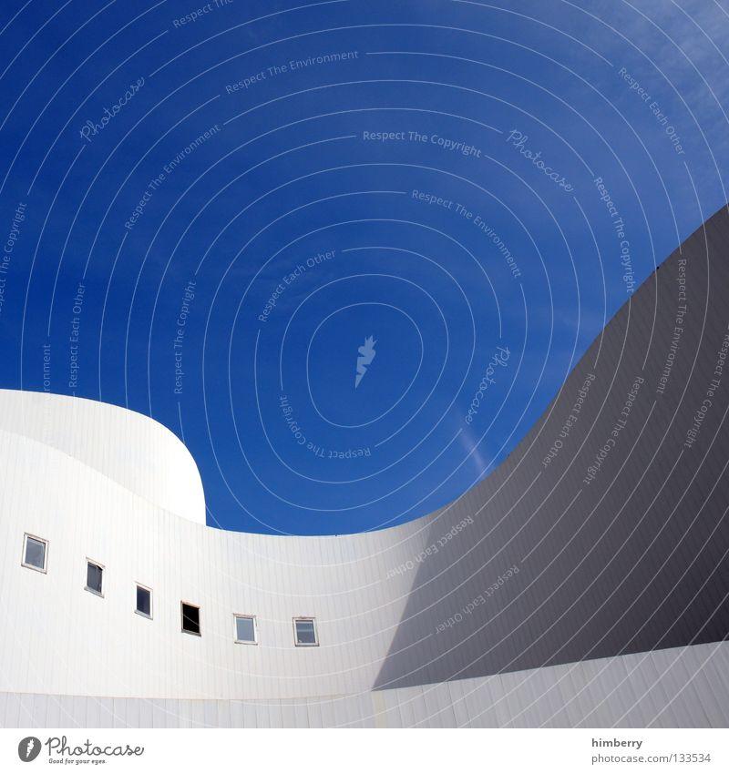 immobilien boom Himmel Wolken Haus Wand Gebäude Mauer Linie Kunst Wellen Fassade Beton Treppe modern Perspektive rund