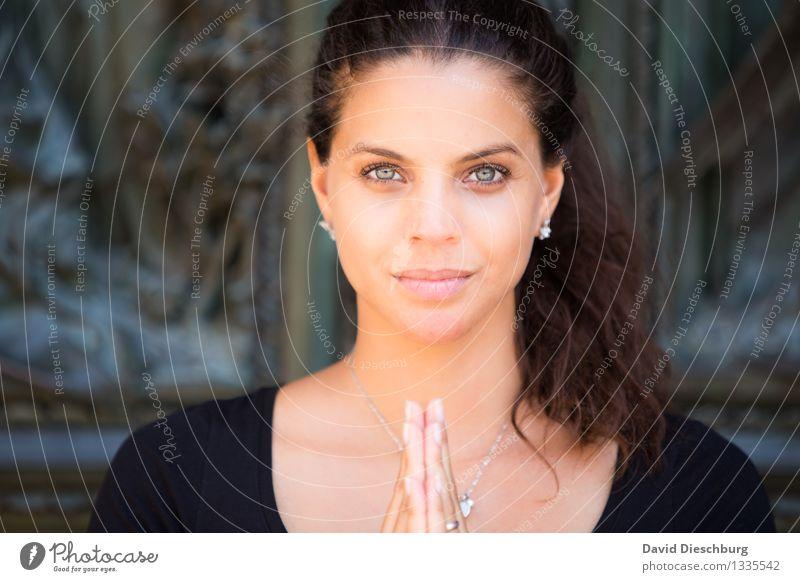 Believe Mensch Jugendliche schön Junge Frau weiß Erholung ruhig 18-30 Jahre schwarz Gesicht Erwachsene gelb Auge feminin Religion & Glaube Denken