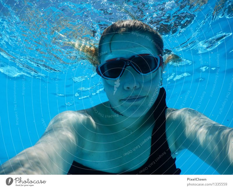 Wassernixe Lifestyle schön Wellness Leben Schwimmbad Ferien & Urlaub & Reisen Tourismus Sommerurlaub Strand Meer Sport Schwimmen & Baden tauchen feminin Körper