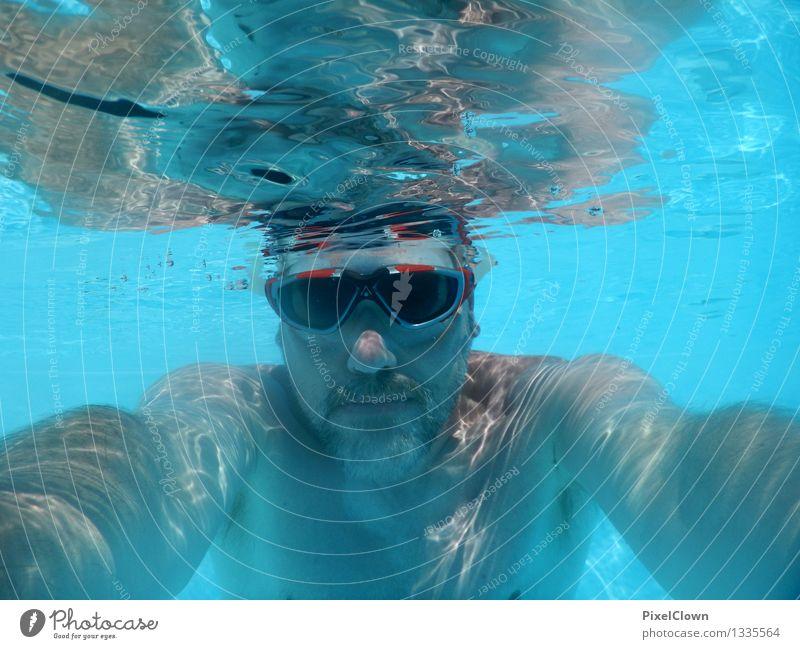 Urlaub Mensch Ferien & Urlaub & Reisen blau schön Meer Freude Strand kalt Erwachsene Leben Sport Lifestyle Schwimmen & Baden Stimmung maskulin Tourismus