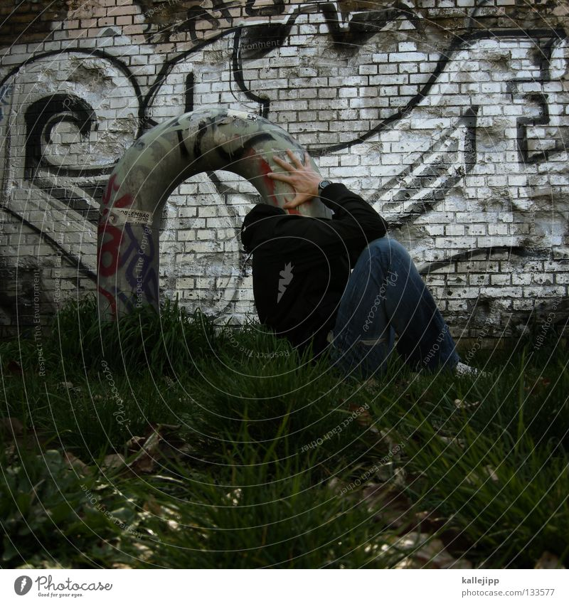 kopfschmerz Gedanke Lüftung kopflos blind Kopfschmerzen Denken Brainstorming Gras Mann Mensch Konzentration Graffiti Witz lustig Idee Kreativität Versteck