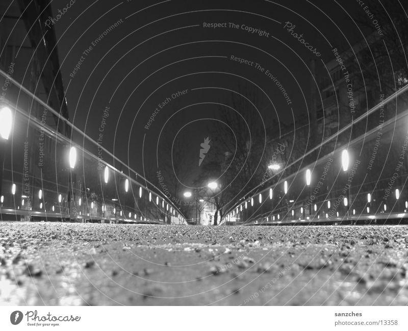 rewi.ground Stein Architektur Brücke Nachtaufnahme