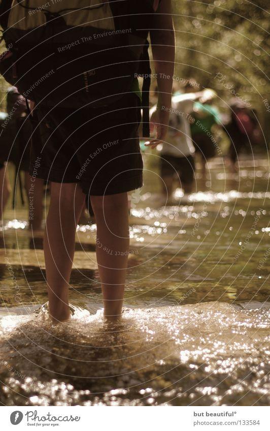 stehengelassen II° Wasser Sommer Einsamkeit kalt Wärme Angst wandern Fluss Physik Spanien Bach unentschlossen