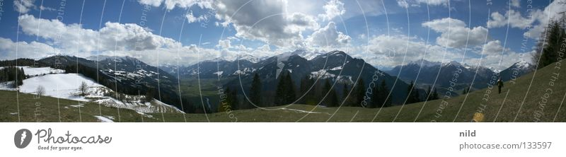 inntal-zillertal-180-grad Mensch Himmel Ferien & Urlaub & Reisen Wiese Berge u. Gebirge Landschaft wandern gehen groß Alpen Schönes Wetter Österreich Natur Panorama (Bildformat) Alm Bundesland Tirol