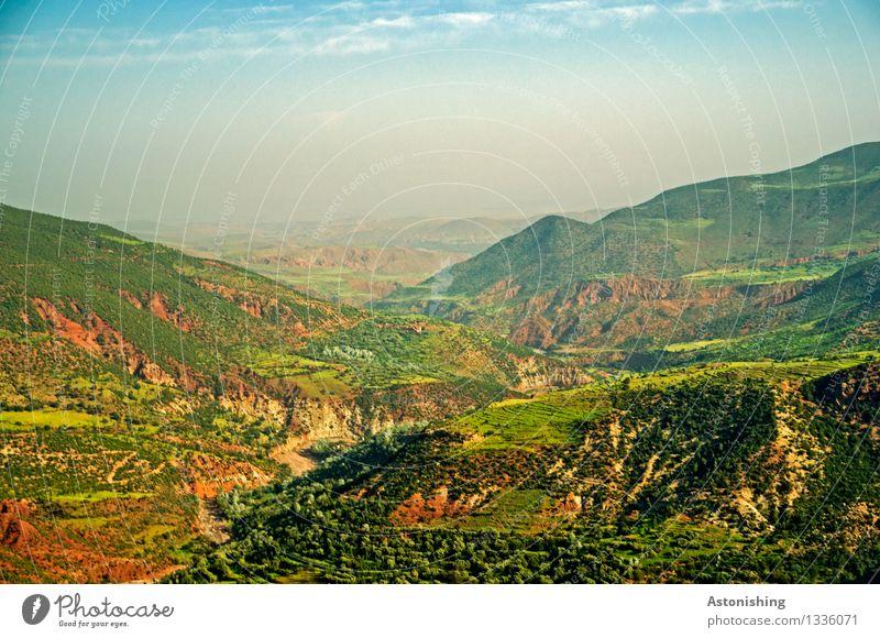 grünes Gebirge Himmel Natur Pflanze blau schön Sommer Baum rot Landschaft Wolken Ferne Wald Reisefotografie Berge u. Gebirge Umwelt