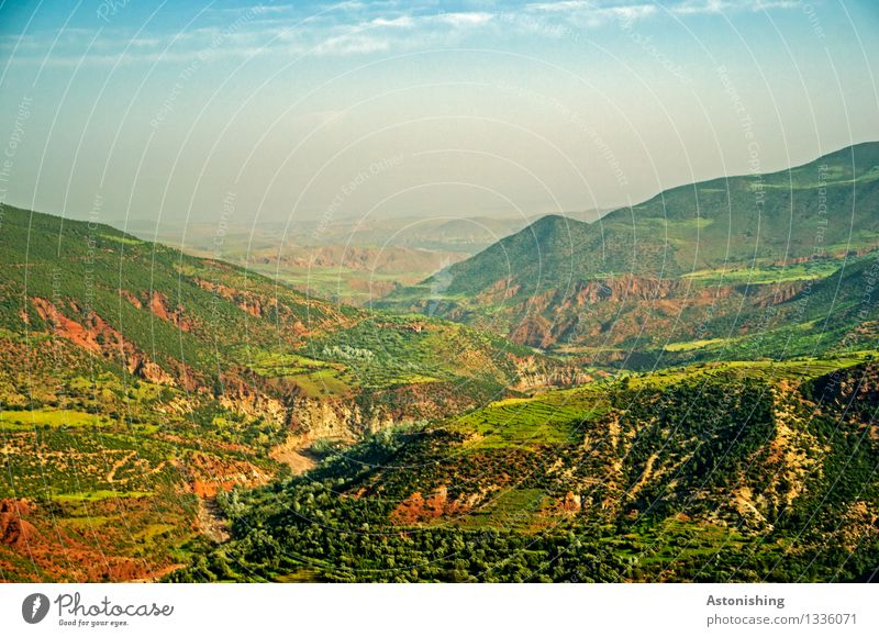 grünes Gebirge Umwelt Natur Landschaft Pflanze Himmel Wolken Horizont Sommer Wetter Nebel Baum Gras Sträucher Wiese Wald Hügel Felsen Berge u. Gebirge Atlas
