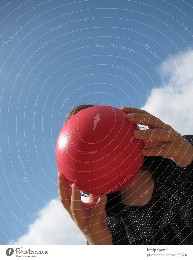 Knutschkugel Frau Hand rot Freude Sommer Wolken Kopf Haare & Frisuren Wärme Freizeit & Hobby rund Ball Physik festhalten heiß Wut