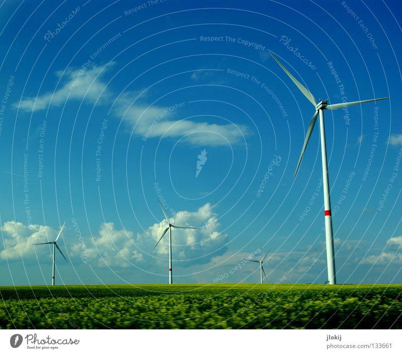 Generators IX Himmel Wiese Gras Luft Kraft Feld Industrie Energiewirtschaft Elektrizität Rasen Netz Klarheit Windkraftanlage Unternehmen drehen Sportveranstaltung