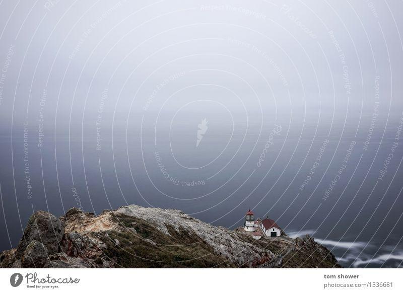 Himmel Natur Ferien & Urlaub & Reisen Wasser Meer Landschaft Herbst Küste Freiheit Stimmung Felsen Horizont Zufriedenheit Wetter Nebel Wellen