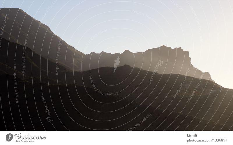 Abendsonne auf Gran Canaria Himmel Natur Ferien & Urlaub & Reisen Sommer Sonne Landschaft Ferne Berge u. Gebirge Umwelt Freiheit Felsen Horizont Tourismus Erde