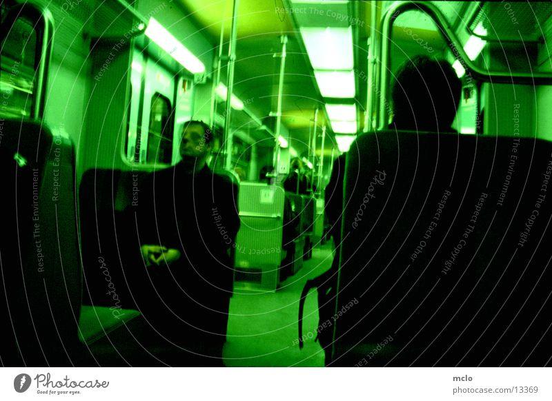 In der S-Bahn Langzeitbelichtung Verkehr Sitzgelegenheit Mensch