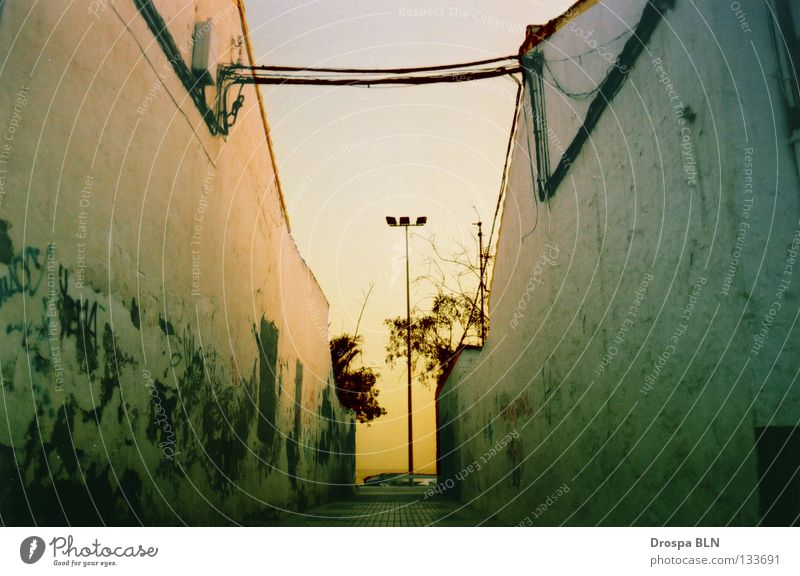Zwischraum Himmel Sonne Meer Sommer Haus Wand Kabel Spanien Andalusien Malaga