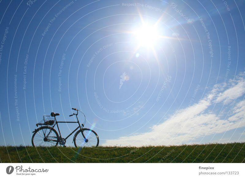...mit dem Radl da...! Himmel Ferien & Urlaub & Reisen blau grün weiß Sonne Erholung Einsamkeit ruhig Wolken Freude Ferne Wärme Wiese Gras Wege & Pfade
