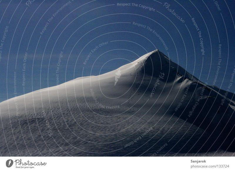 Skiiiiiiiii...... Foan ... foan.... foan..... foan.....! Winter Schnee Berge u. Gebirge Gipfel Österreich Blauer Himmel alpin Großglockner Hochgebirge Schneedecke Schneebedeckte Gipfel