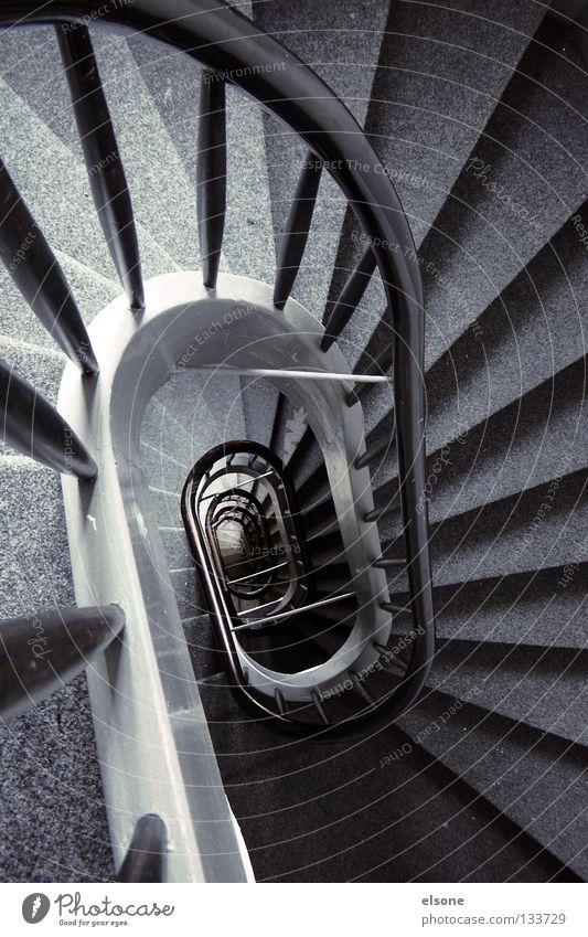 ::TREPPTRAPP:: Ferne grau Treppe Treppenhaus historisch Detailaufnahme Geländer Loch elsone