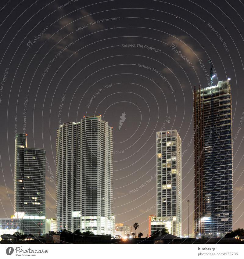 see es ei miami Haus Gebäude Hochhaus Wolken Florida Miami Himmel Beton Silhouette Fassade Ausgabe Investor Stadtzentrum Nacht Licht Kran Bauwerk Nachtleben