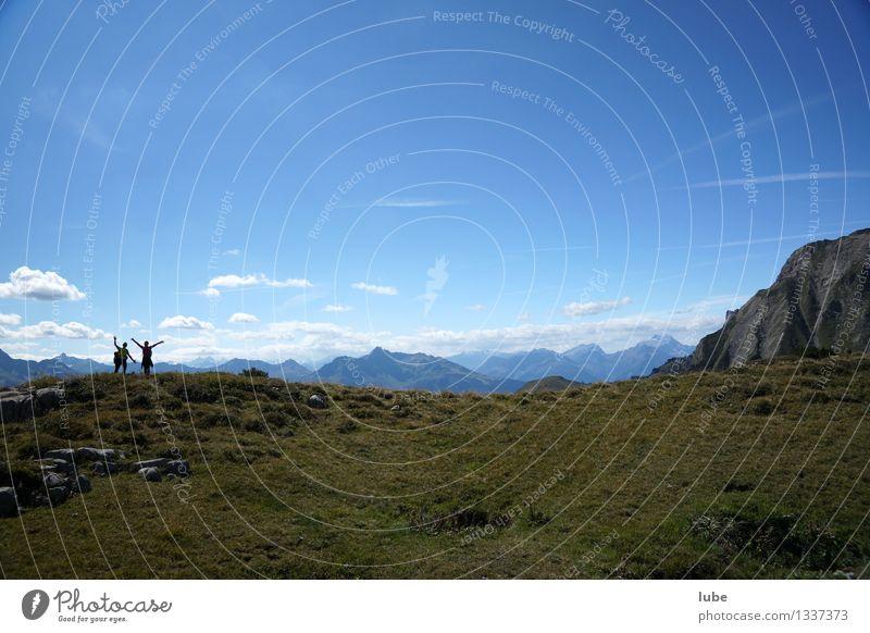 Haaaallo wandern 2 Mensch Umwelt Natur Landschaft Himmel Sommer Klima Schönes Wetter Felsen Alpen Berge u. Gebirge blau winken horizontal Horizont Ferne