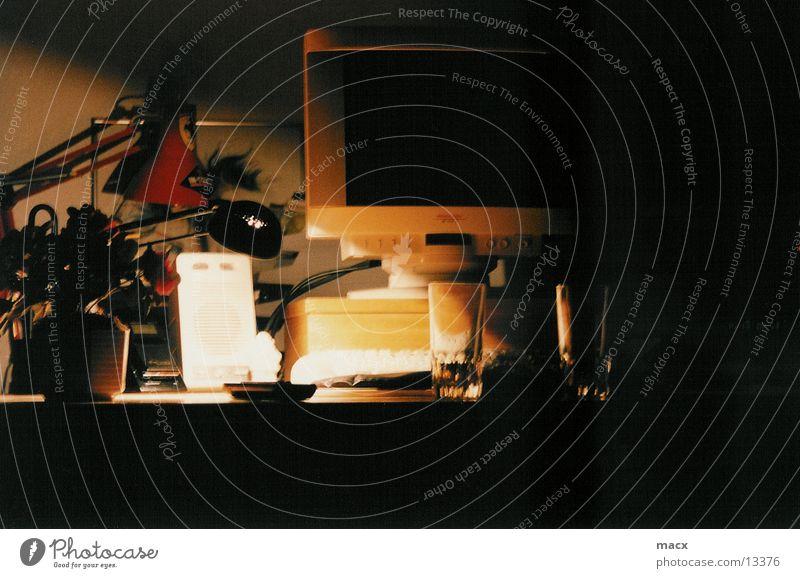 feierabend Licht Feierabend Lampe Elektrisches Gerät Technik & Technologie Schatten Computer Schreibtisch Glas