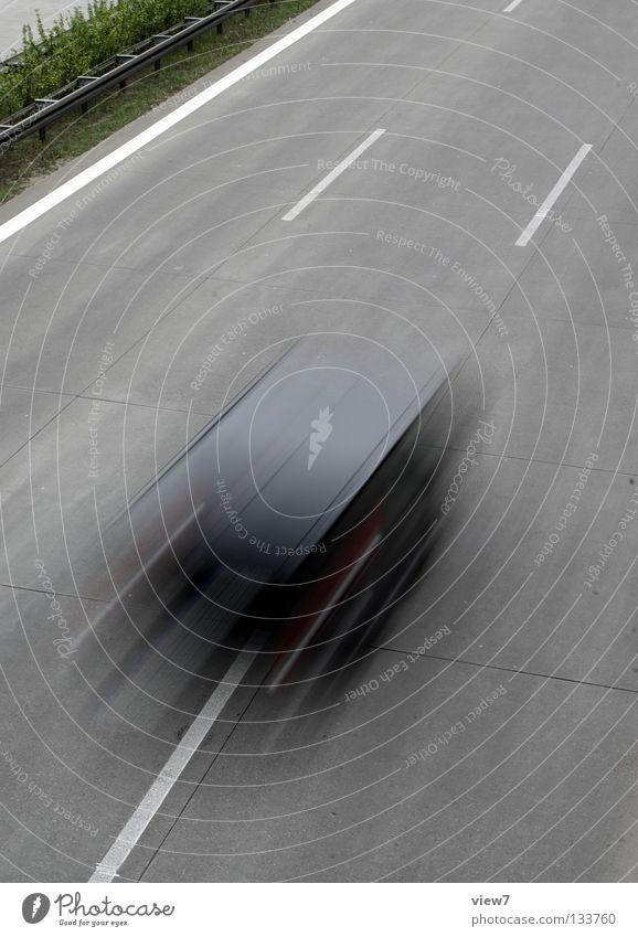 WRRUUUM schwarz Farbe Straße Bewegung Wege & Pfade PKW Beton Verkehr Geschwindigkeit Streifen fahren Güterverkehr & Logistik Asphalt Autobahn Richtung Mobilität