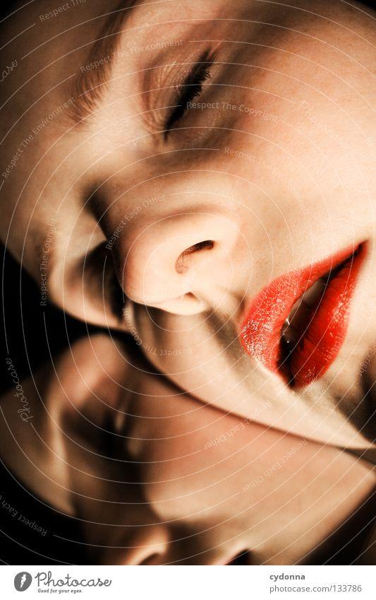 Zusammen träumen Frau Mensch schön Farbe Auge Leben Gefühle Bewegung Stil Denken Erde Zeit schlafen Perspektive stehen