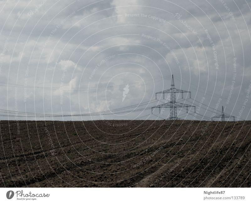 Öko-Strom Himmel Wolken braun Feld Horizont Industrie Elektrizität Kabel Gemüse Langeweile Ackerbau Strommast Leitung Beet