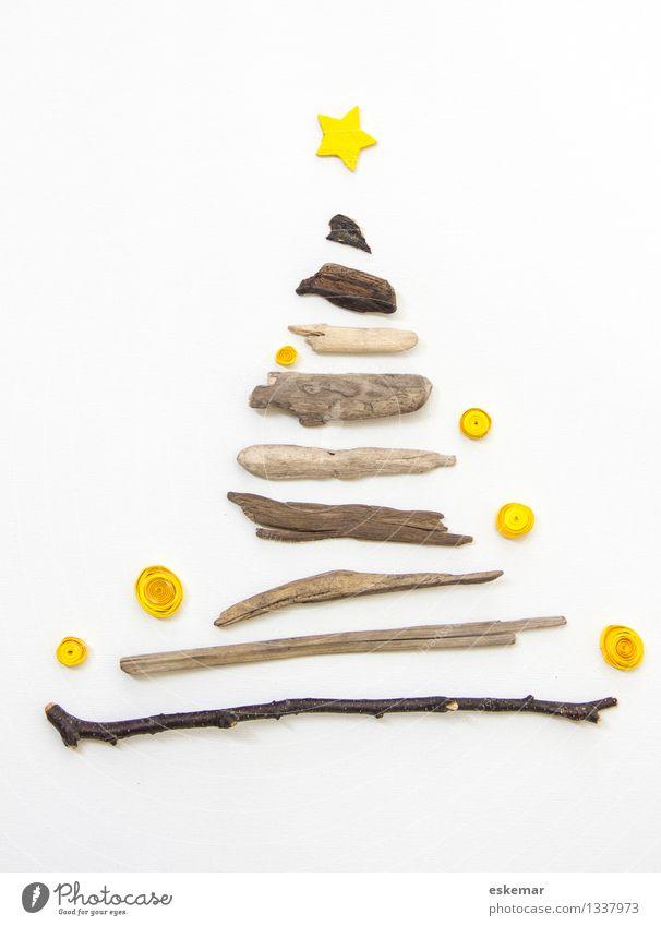 Weihnachten romantisch Weihnachten & Advent schön weiß Baum gelb Holz Feste & Feiern braun hell Zufriedenheit authentisch Fröhlichkeit ästhetisch Kreativität einfach Stern (Symbol)