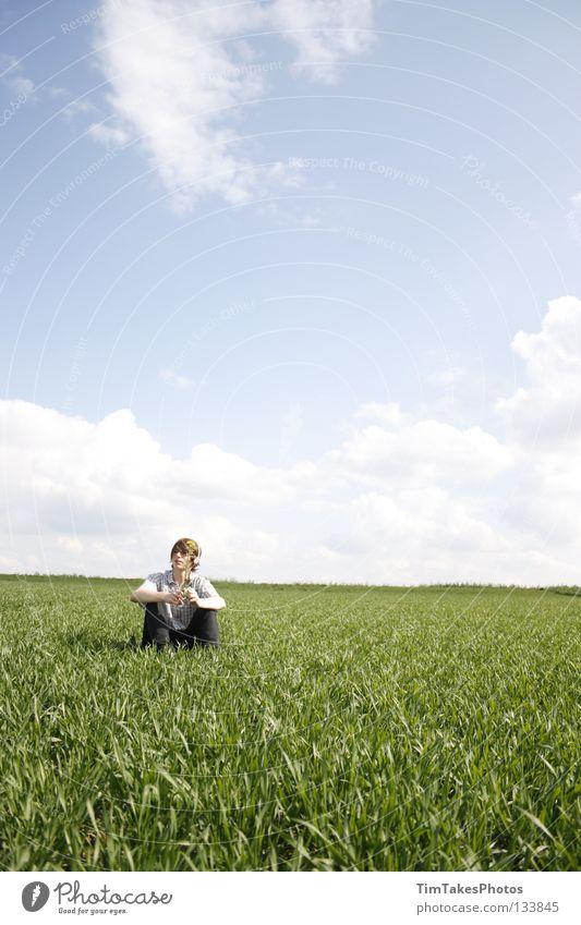 F R E E D O M Mensch Himmel blau grün Blume Freude Wolken gelb Freiheit Gras T-Shirt Jeanshose Hemd Stock Image Bildbearbeitung