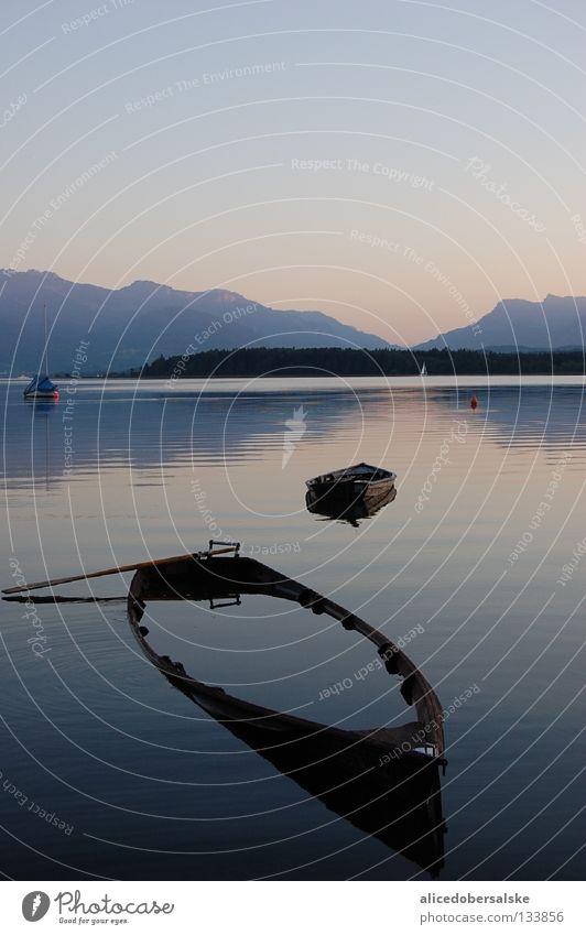 tiefgang Wasser Ferne träumen See Wasserfahrzeug Stimmung hoch genießen staunen Paddel Hochwasser