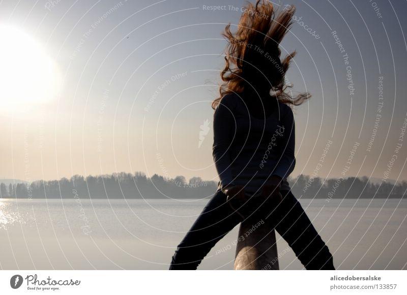 freiraumknall See Physik Sommer Freundschaft Luft Freude ruhig Sonne Wärme Haare & Frisuren fliegen lachen schreien