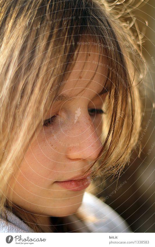 Sonnenschein Natur Ferien & Urlaub & Reisen Mädchen natürlich feminin Spielen Glück Familie & Verwandtschaft Haare & Frisuren Schule Stimmung träumen