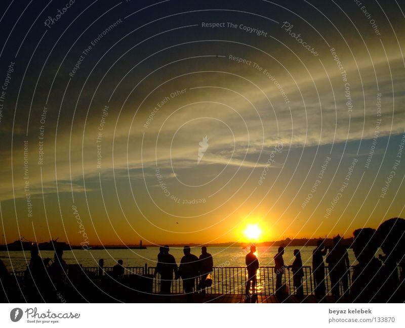 Sunset at Kadiköy Wharf Istanbul Sonnenuntergang Himmel Himmelskörper & Weltall Hafen marmara kad&#305 turkey clouds Silhouette bosphorus