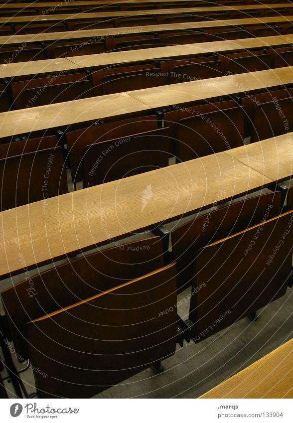 Bankdrücken schwarz ruhig dunkel Holz Schule Zusammensein Platz mehrere Tisch Studium leer Show Kommunizieren Stuhl Ziel viele