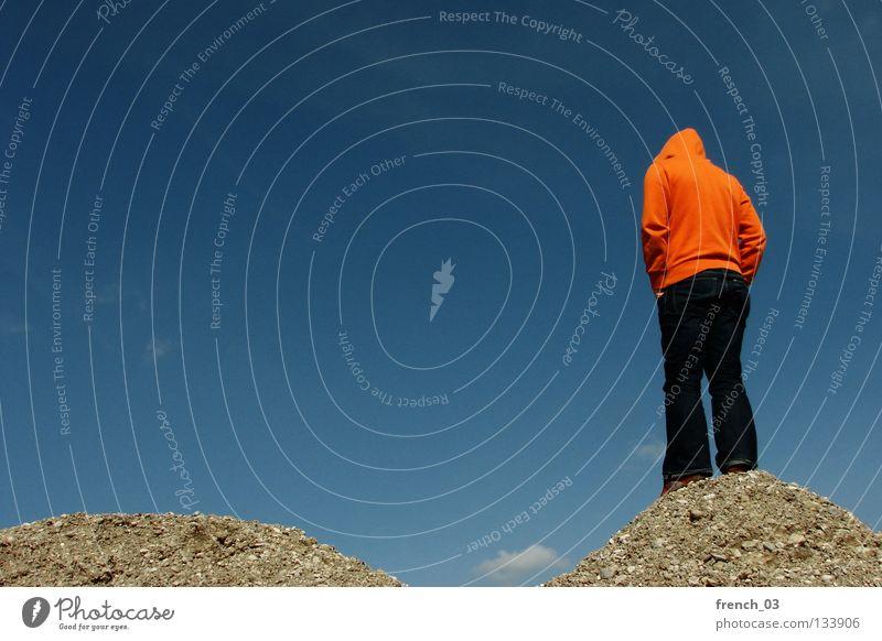 Die Ruhe selbst Mensch Hand Himmel Jugendliche weiß blau Wolken Einsamkeit Farbe dunkel Berge u. Gebirge Freiheit grau Stein Traurigkeit See