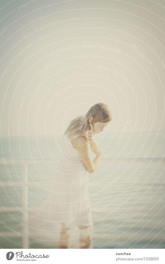 romanitc hexle Kind Mädchen Jugendliche Romantik Meer Geländer Wasser Fähre Ferien & Urlaub & Reisen Sommer Überfahrt Wasserfahrzeug Schifffahrt Junge Frau