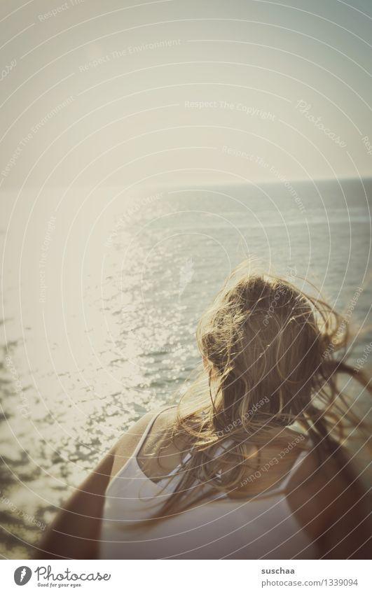 so viel wasser ... Kind Mädchen Junge Frau Haare & Frisuren zerzaust Wind Meer Wasser Sommer Ferien & Urlaub & Reisen Blick Sonne