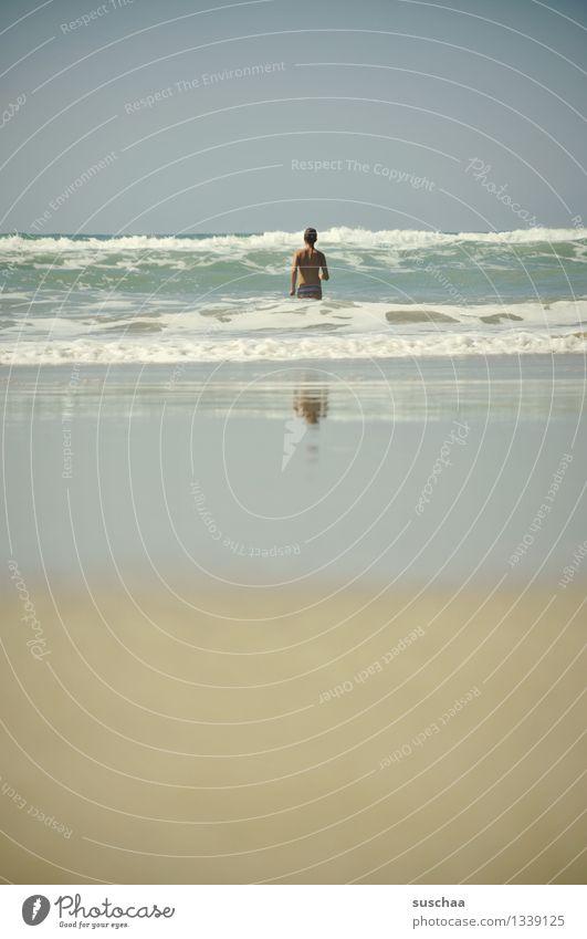 grottos kommt Strand Sand Wasser Meer Flut Wellen Kind Mädchen Schwimmen & Baden Reflexion & Spiegelung Ferien & Urlaub & Reisen