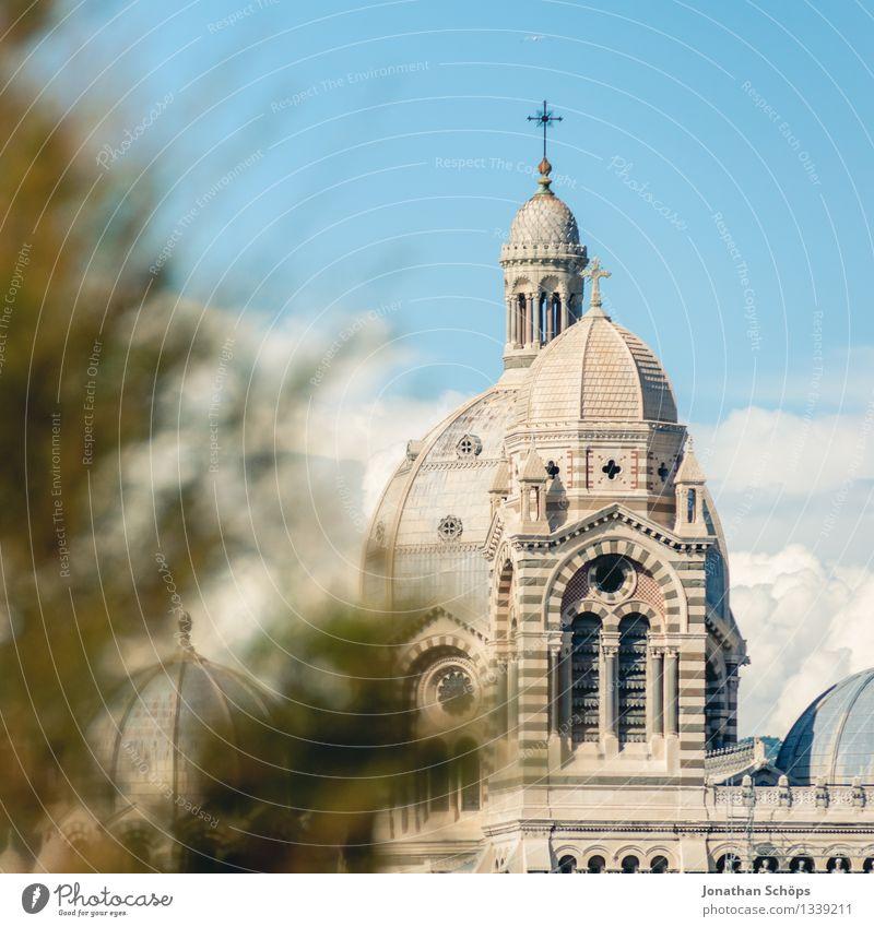 Cathédrale Sainte-Marie-Majeure de Marseille II Himmel Stadt Himmel (Jenseits) Baum Architektur Religion & Glaube hell ästhetisch Kirche Dach Skyline Frankreich