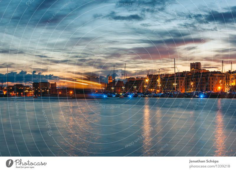Le Vieux Port de Marseille I Himmel Ferien & Urlaub & Reisen blau Stadt Wasser Wolken Haus Reisefotografie Architektur Bewegung Gebäude außergewöhnlich