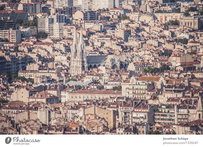 Blick auf Marseille III alt Sommer Stadt rot Haus Ferne Reisefotografie Stadtleben Kirche ästhetisch Aussicht Schönes Wetter historisch Dach Skyline Frankreich
